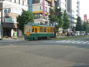 路面電車が走っているんです。