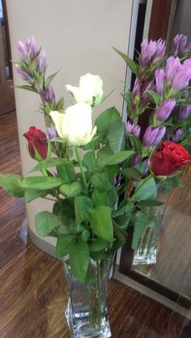 バラとリンドウ